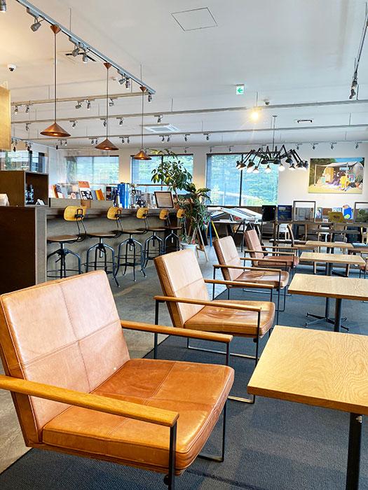 カフェを併設 軽井沢書店